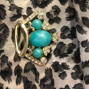 Accessories - Teal and gold Crown pin
